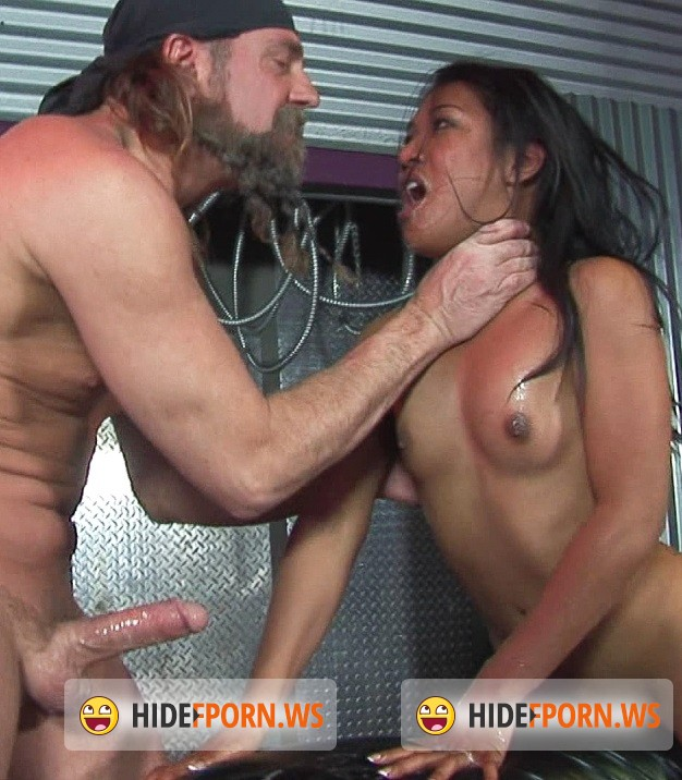 GoodxxxFlix.com: Lyla Lei - Lyla the expert in deepthroat [SD 400p]