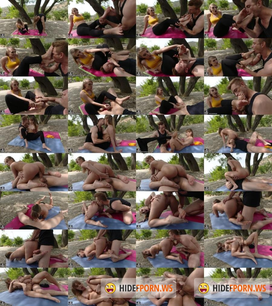 FootsieBabes/21sextury - Harley Jade - A Yogic Foot Massage [SD]