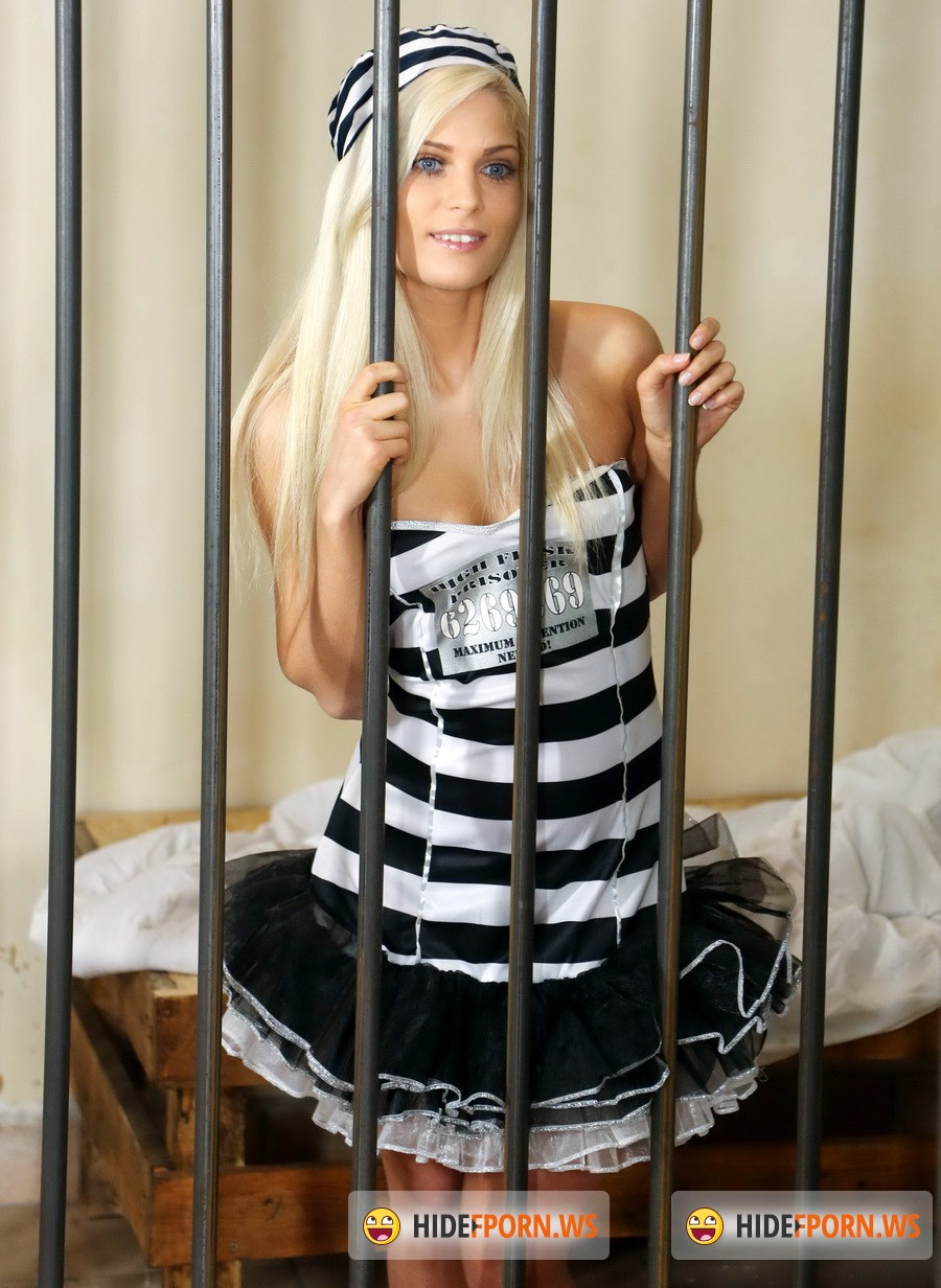 ClubSevenTeen.com - Candee Licious - Horny Prisoner Gets Fucked By Guard [FullHD 1080p]