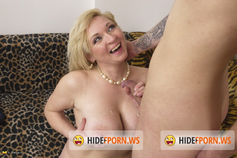Mature.nl - Josefa (41) - Naughty housewife doing her toyboy [SD 540p]
