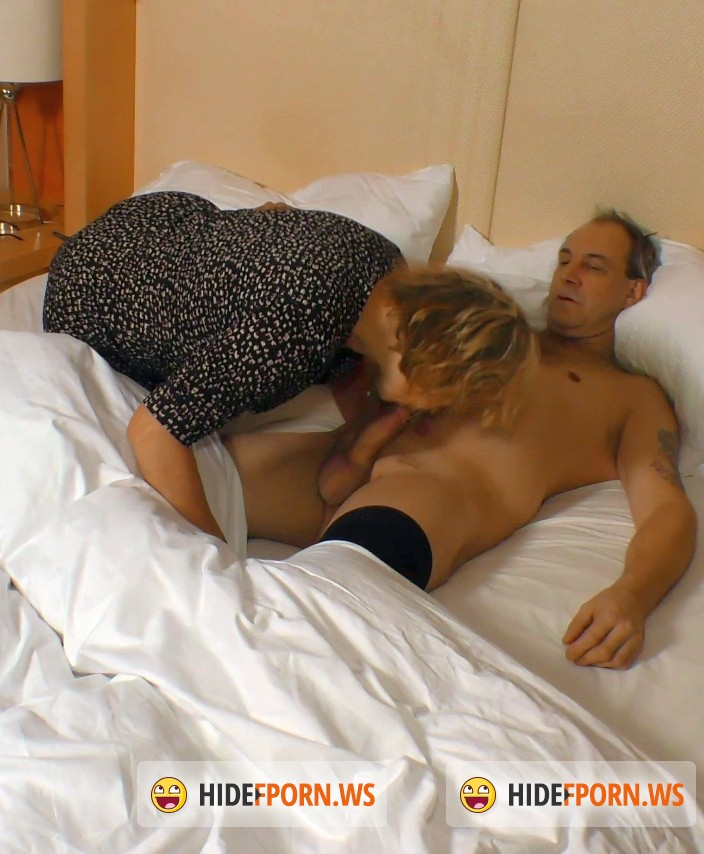 Porn Omas: Charlotte - German granny pornstar Charlotte takes it like a whore [SD 480p]