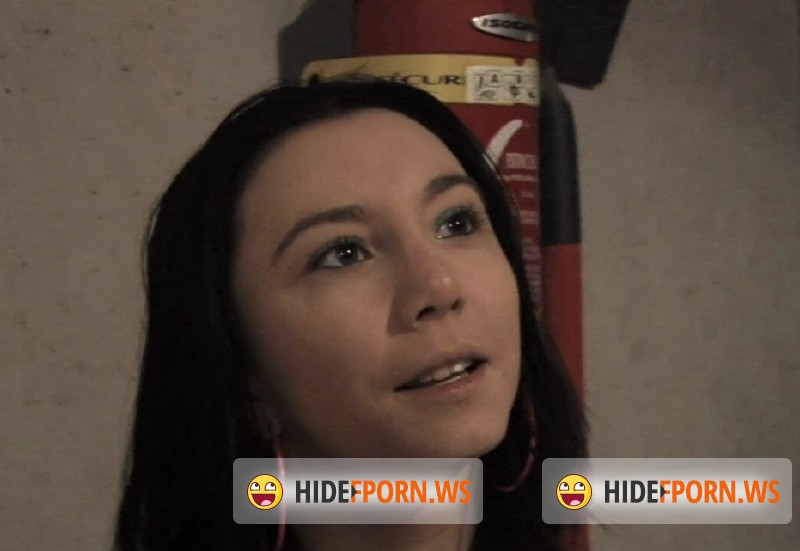 JacquieEtMichelTV.net - Lilly - Lilly, 19ans, baisee dans parking souterrain  [FullHD 1080p]