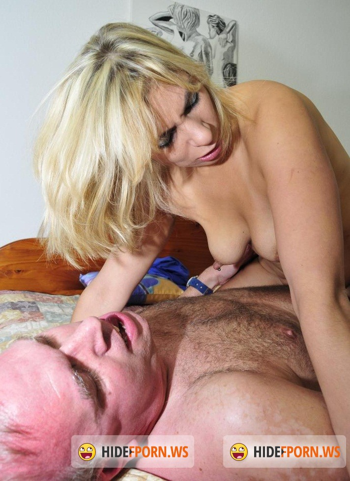 Swinger Porn: Elif O. - Toys and ass fucking for German blondie Elif O. [SD 480p]