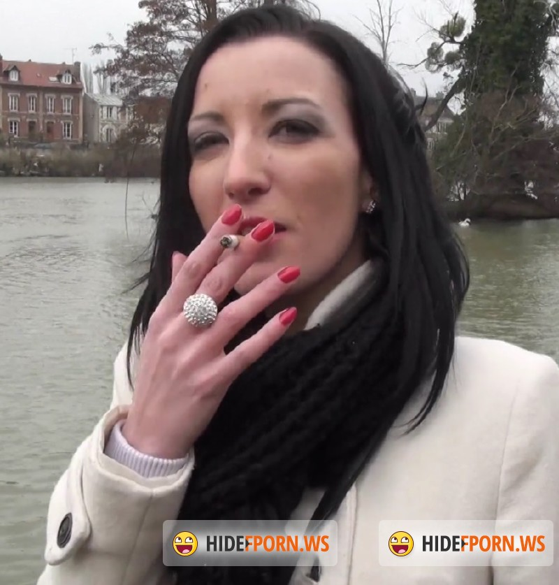 JacquieEtMichelTV.net - Tania - Tania, 25ans, d Angers [FullHD 1080p]