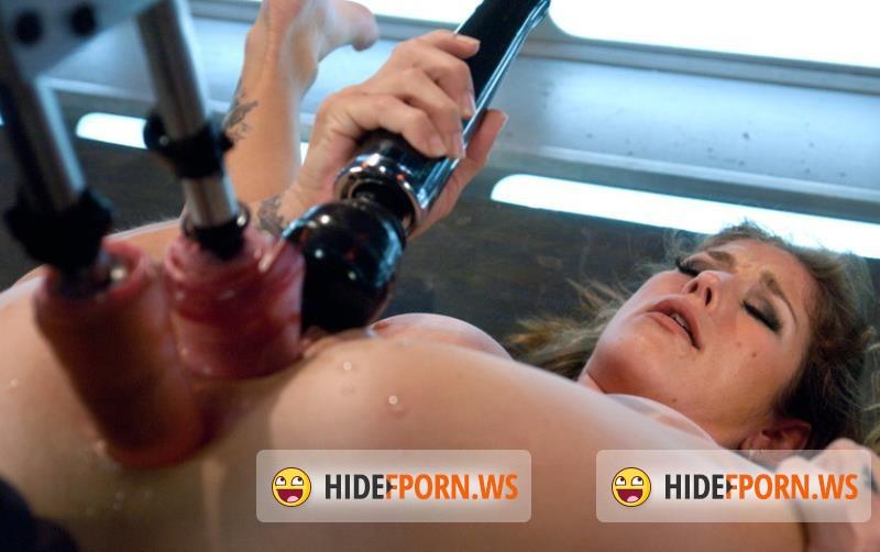 FuckingMachines.com/Kink.com - Felony - Her Pussy Introduces Her: Felony Back for More [HD 720p]