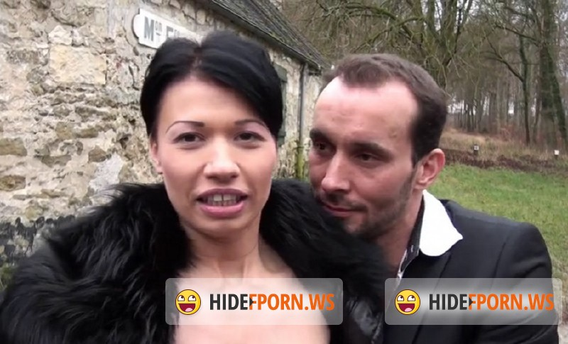 JacquieEtMichelTV.net - Justine - Justine sodomisee en douceur par William [SD 480p]