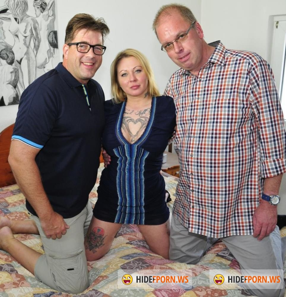 ReifeSwinger/PornDoePremium - Justyna C, Martin P, Stefan D - Mature German blondie Justyna C. gets cum on her boobs after threesome [FullHD 1080p]