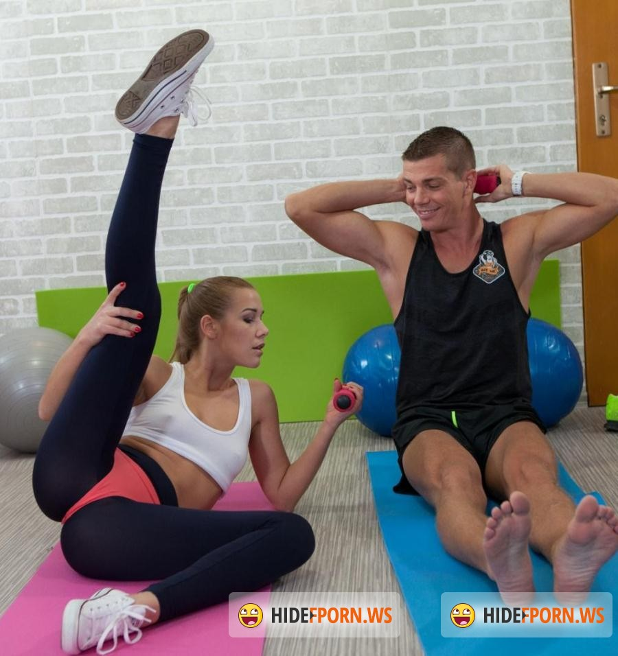 Relax Porn: Alexis Crystal - Czech beauty Alexis Crystal gets crempied at the gym [HD 720p]