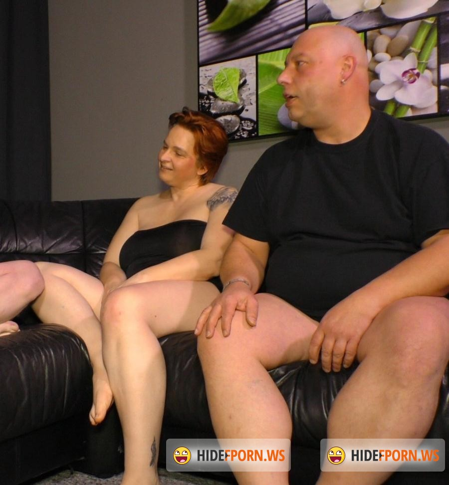 Swinger Porn: Andrea S. - Nothing like a good old mature German threesome [SD 480p]
