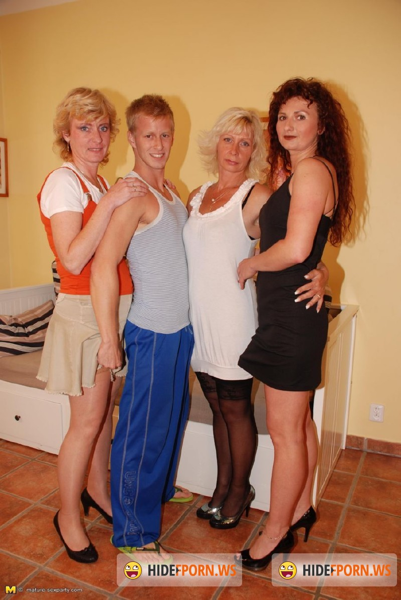 Mature-Sexparty.com/Mature.nl - Lennie (46), Lilly (45), Vicky H. (40) - Mature Sexparty - MSP38 [HD 720p]