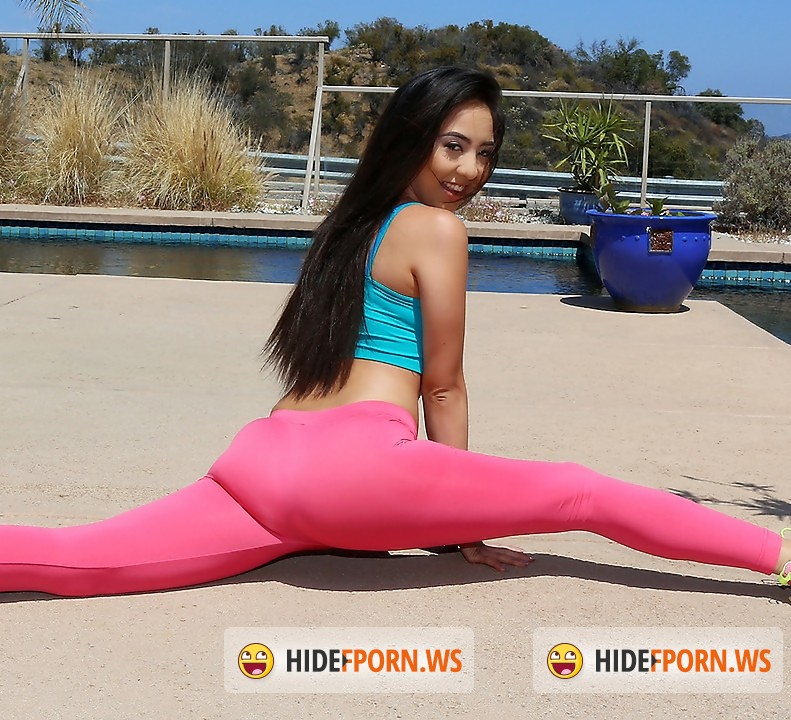 LatinaSexTapes/Mofos - Mila Jade - Yoga Nympho Gets a Facial [FullHD]