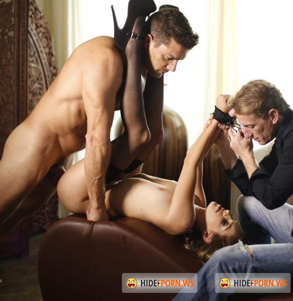 NewSensations - Kimmy Granger, Ramon Nomar - Hotwife Kimmy Granger Gets Tied Up and Screwed [HD 720p]
