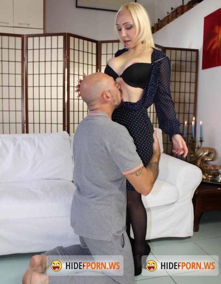 CastingAllaItaliana.com/PornDoePremium.com -  Iris Hot Doll - Naughty Italian casting presents hot amateur blondie who loves ass fucking [HD 720p]