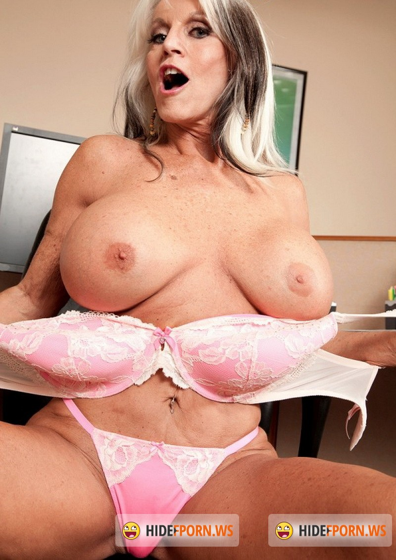 Clips4Sale.com - Sally Dangelo - Motherly Reward [FullHD 1080p]