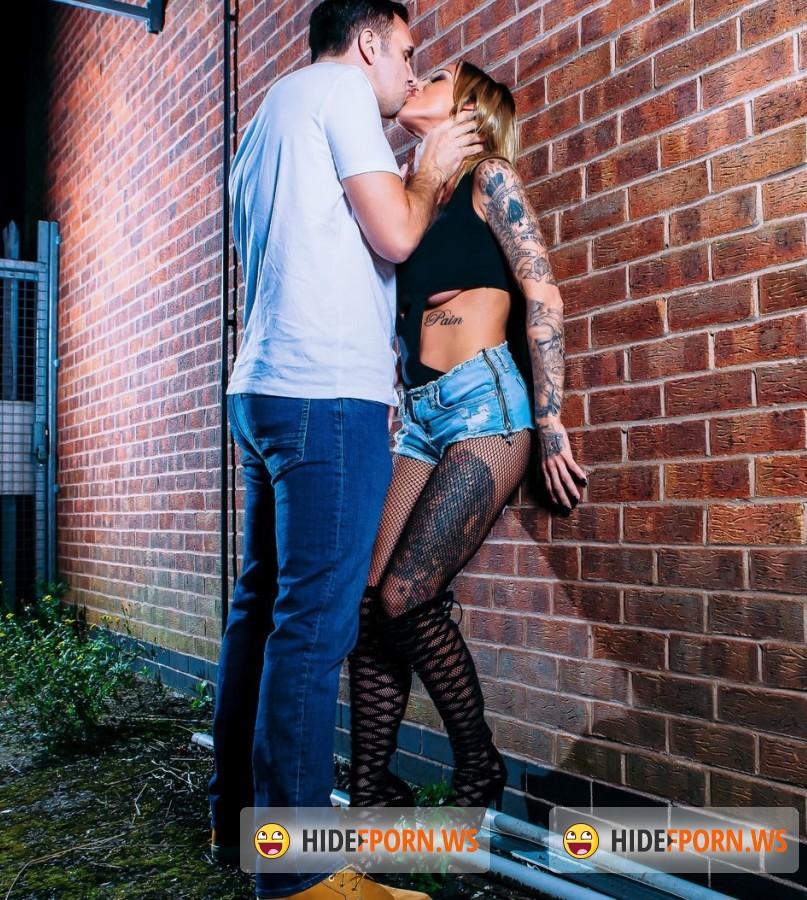 Digitalplayground - Chantelle Fox - Hookin Aint Easy [HD]