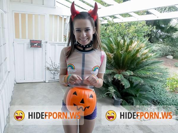 halloween hookup ariel