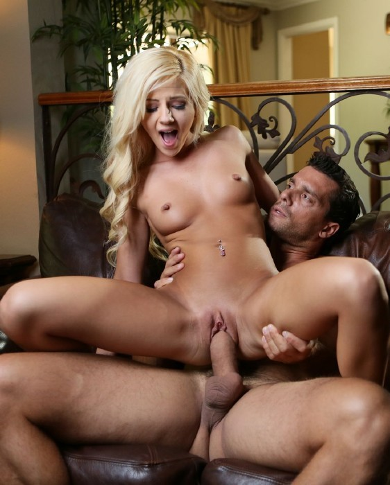 Newsensations.com - Bella Rose - Bella Is Young Hot and Ready To Deep Throat [FullHD]