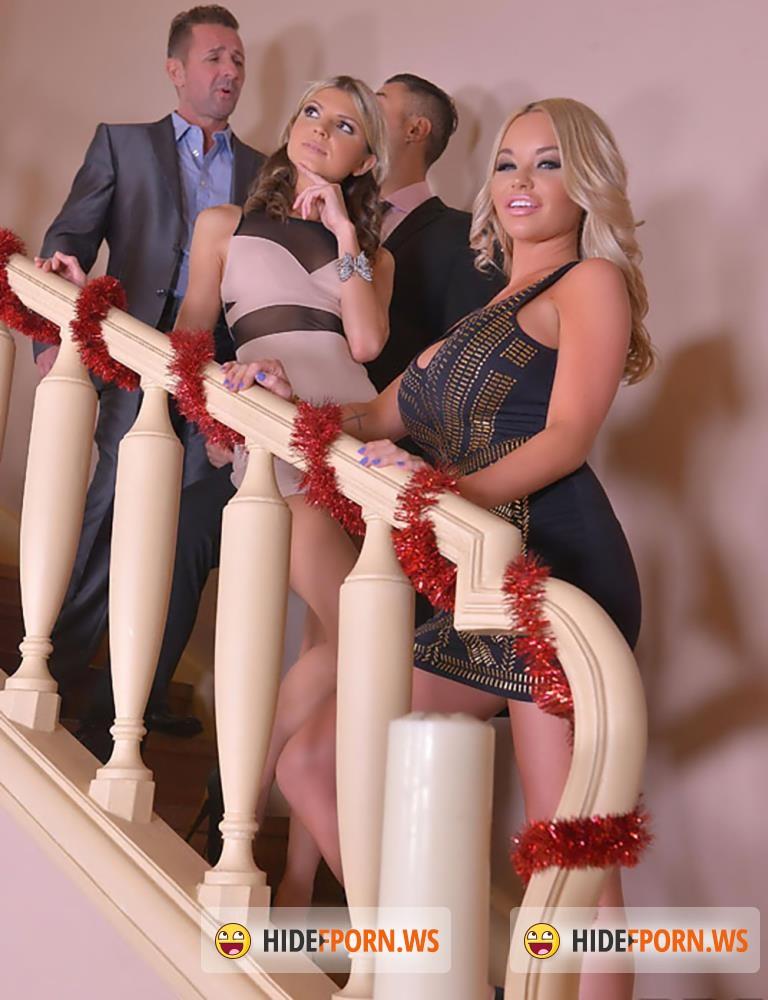 Busty chicks Malena and Rachele Richey play anal games in a threesome № 422885 загрузить