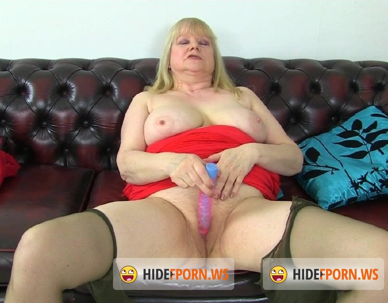 Olderwomanfun.com - Amanda 07 - Mature [HD 960p]