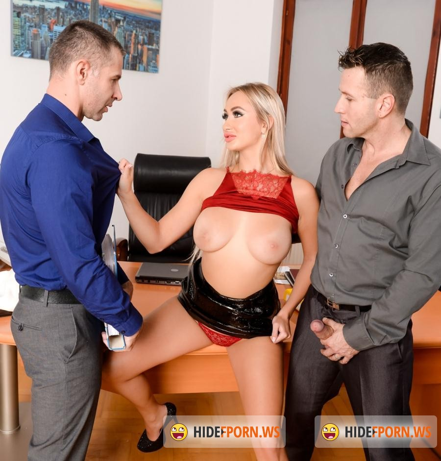 Franceska dicaprio double penetrated by hung guys - 1 part 9