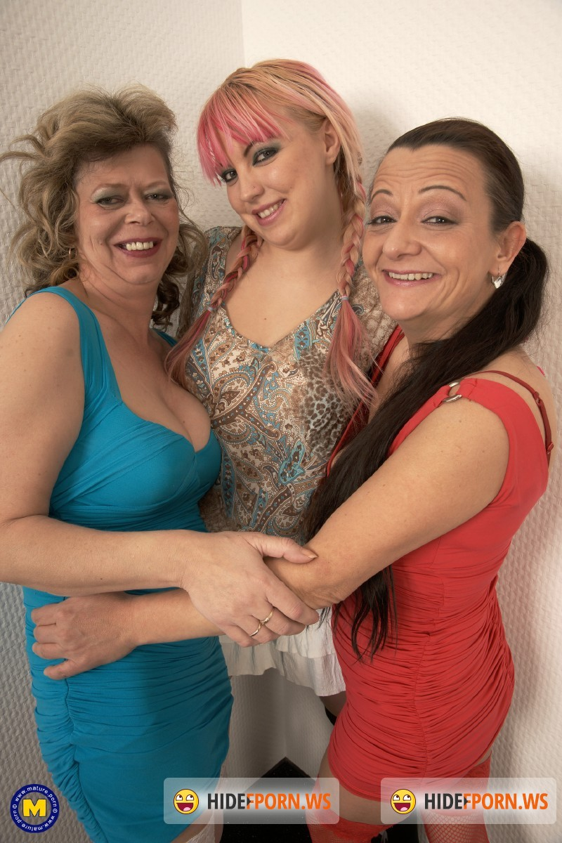Mature.nl - Eslie (44), Istvanne (43), Paulina H. (22) - Three old and young lesbians making each other wet [SD 540p]