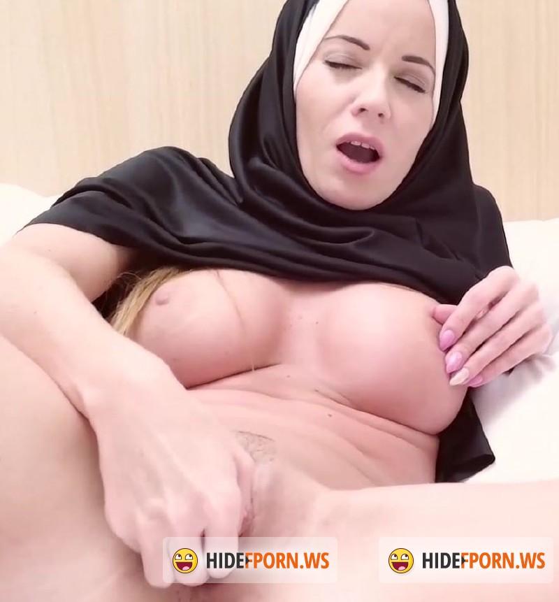 Скрытый порно хиджабы