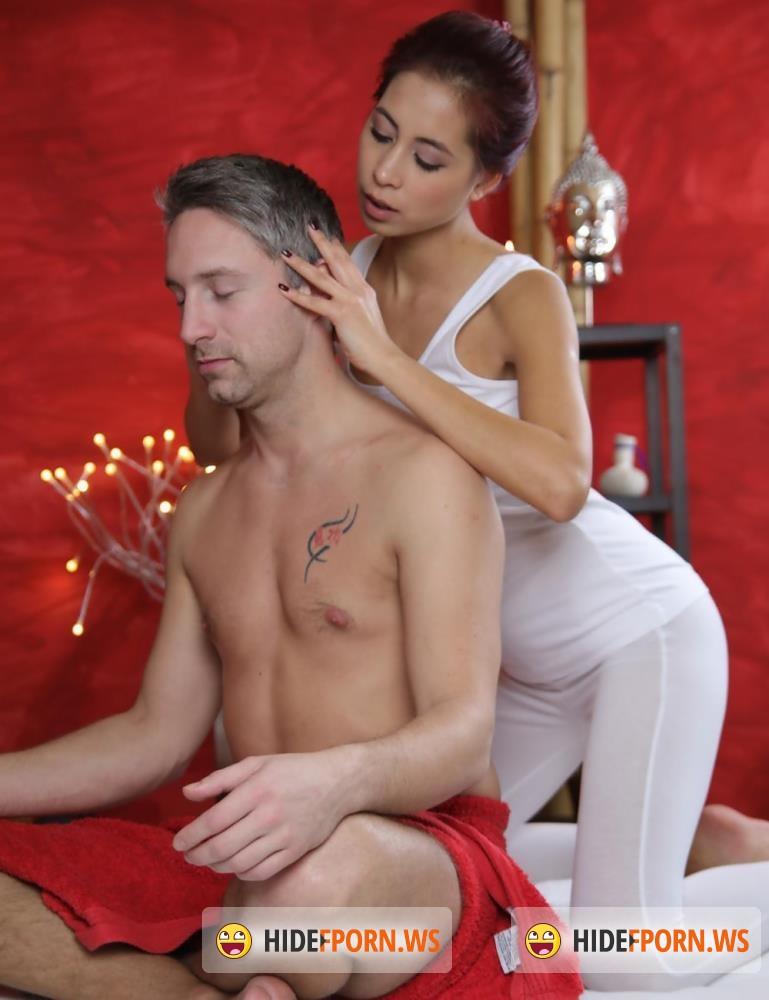 MassageRooms/SexyHub - Lutro Steel, Paula Shy - Deep sensual orgasm for Asian babe [FullHD 1080p]