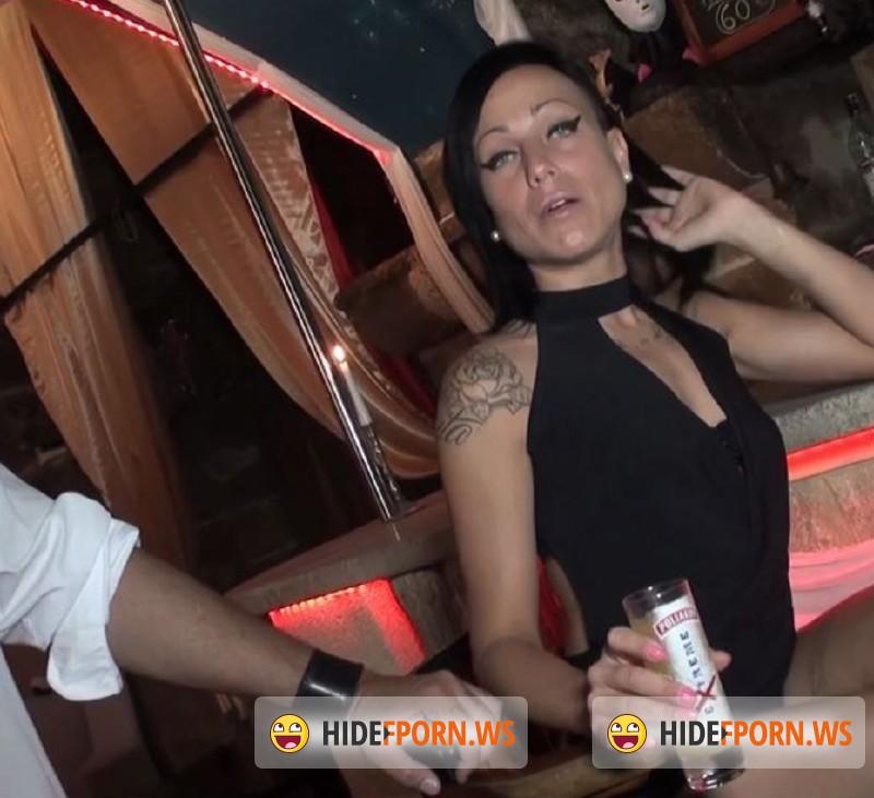 Joyce Oliveira gives a blowjob and enjoys hardcore anal pounding  1448688