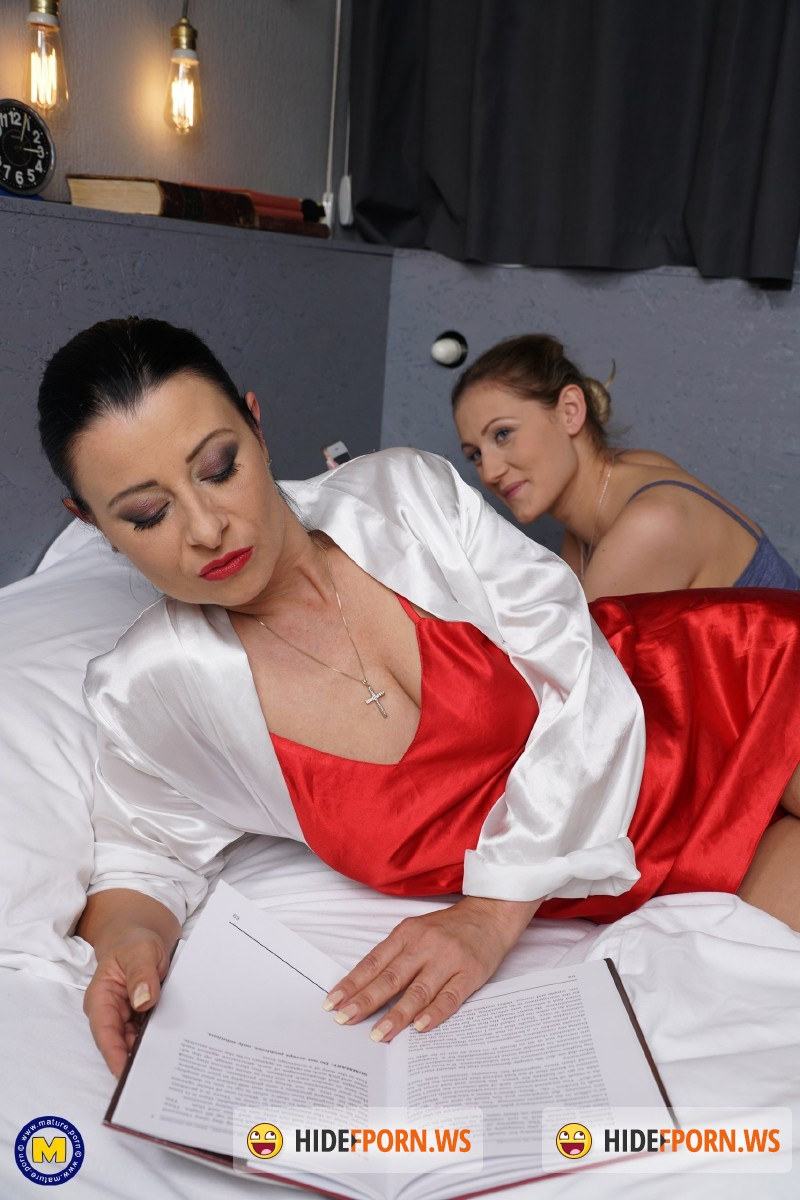 Mature.nl - Bonny Devil (43), Desiree (20) - Hot babe having fun with a naughty mature lesbian [FullHD 1080p]