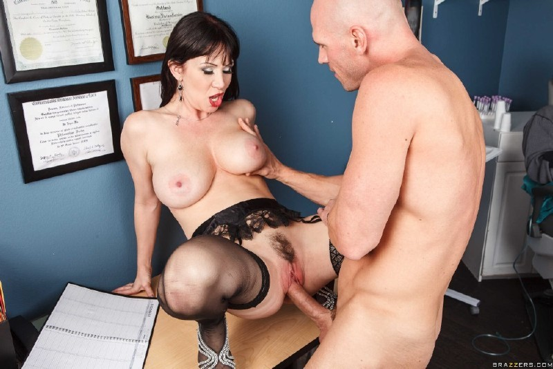 DoctorAdventures.com/Brazzers.com - RayVeness - Fuck Me Hard... Or Else [FullHD 1080p]