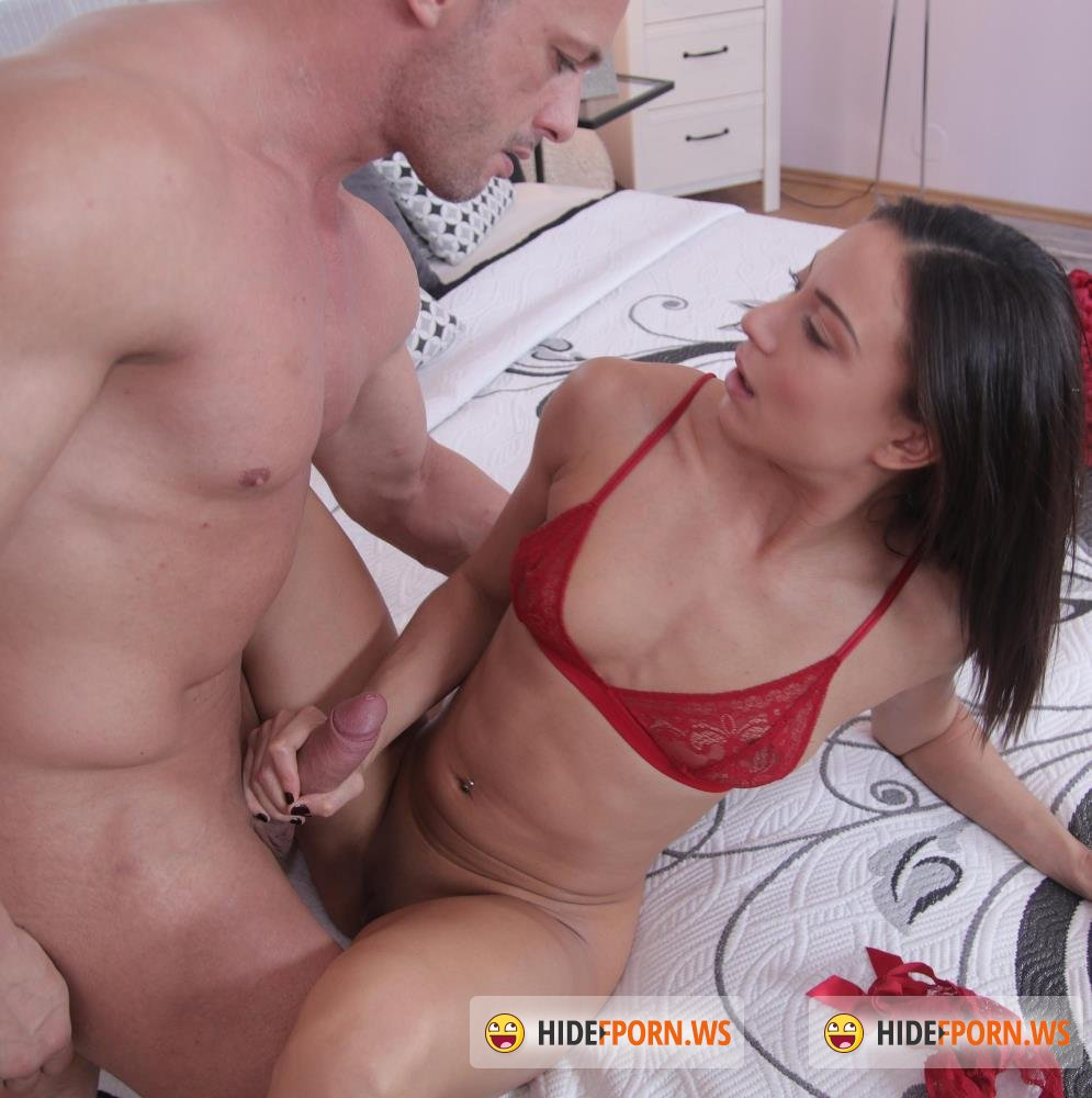 DaneJones/SexyHub - Cassie Del Isla - French couple Valentines rough fuck [FullHD 1080p]