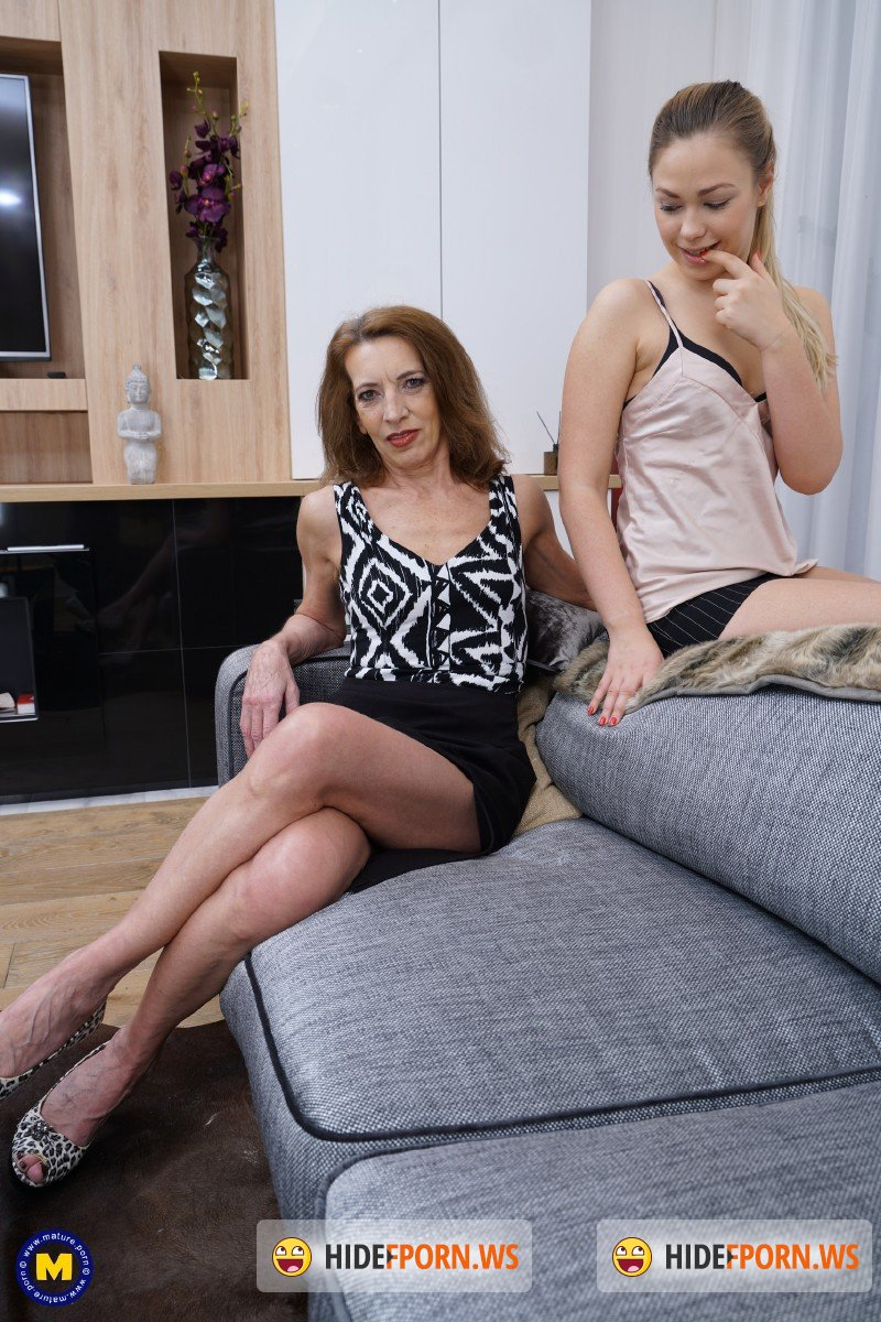 Mature.nl - Selvaggia 19, Viana 56 - Hot babe having fun with a naughty mature lesbian [FullHD 1080p]
