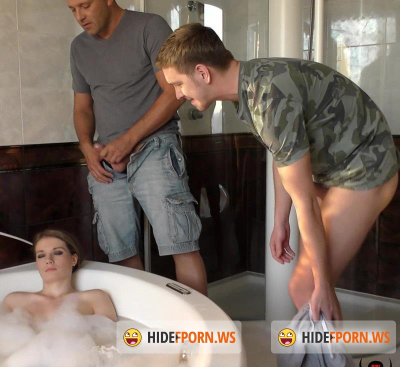 WoodmanCastingX.com - Tereza Grande - Hard - In my bath with 2 men [FullHD 1080p]