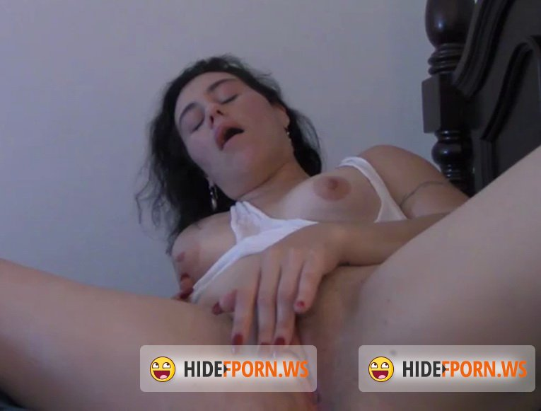 Clips4Sale.com - Natalie Wonder - Naughty Slumber Party [SD 400p]