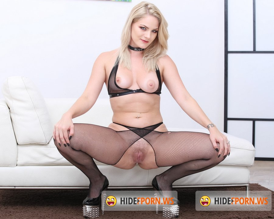 LegalPorno.com - Lisey Sweet - Monsters Of TAP, Lisey Sweet Gets 4 On 1 With Balls Deep Anal And DAP, TAP, Dapes, Swallow GIO816 [FullHD 1080p]