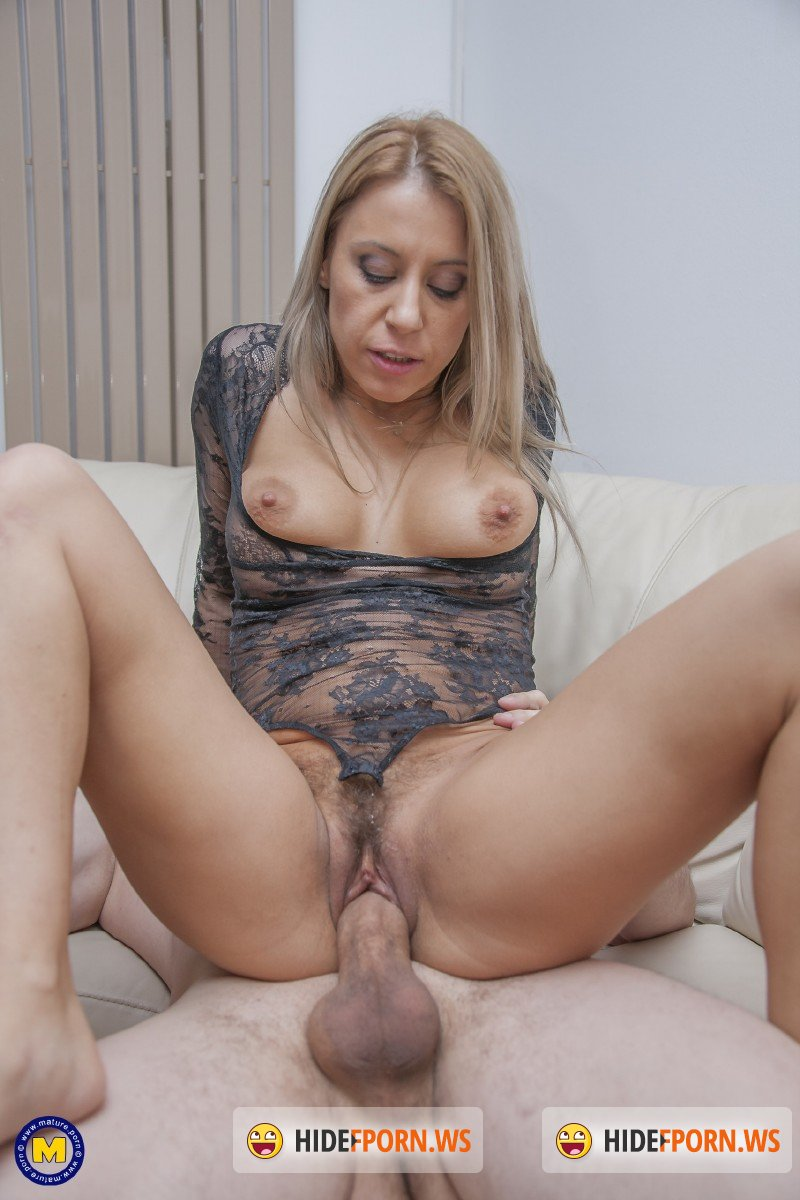 Mature.nl - Nadina (32) - This steamy hot mom is in need for a big hard cock to fuck her hard and long [FullHD 1080p]