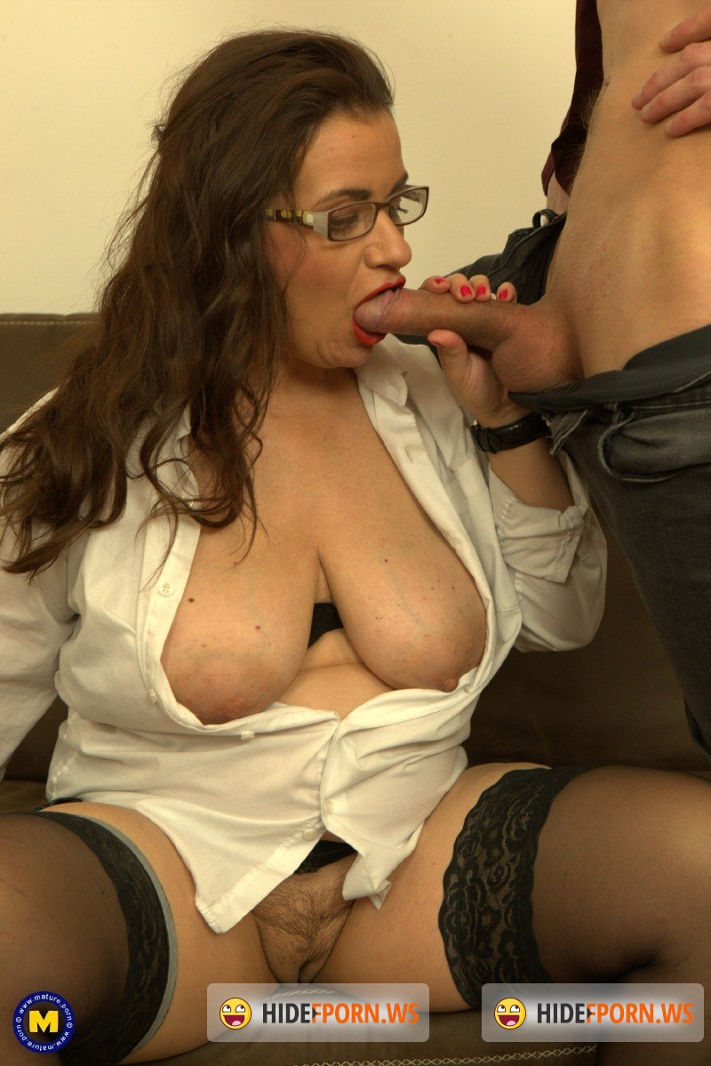 Mature.nl - Suzzane - Naughty curvy milf loves to fuck and suck cock. And when she does, she'd expect to get a face full of cum [SD 540p]