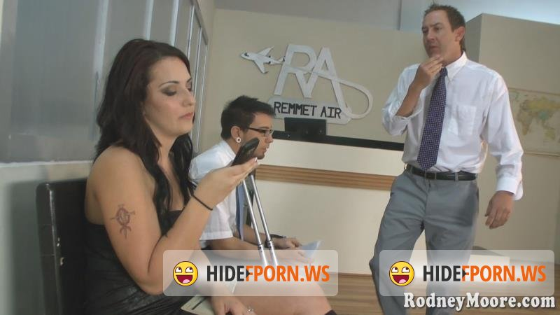 RodneyMoore - Daya Layne - Pre-Flight Goo For Two [FullHD 1080p]