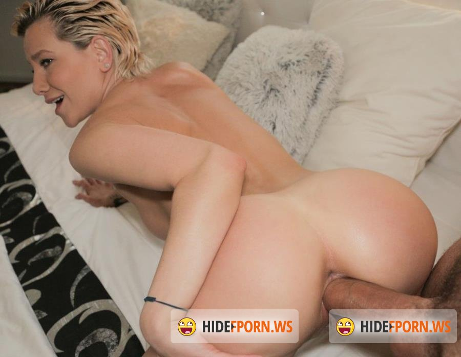 PublicAgent - Subil Arch - MILFS Perfect Body Fucked for Cash [HD 720p]