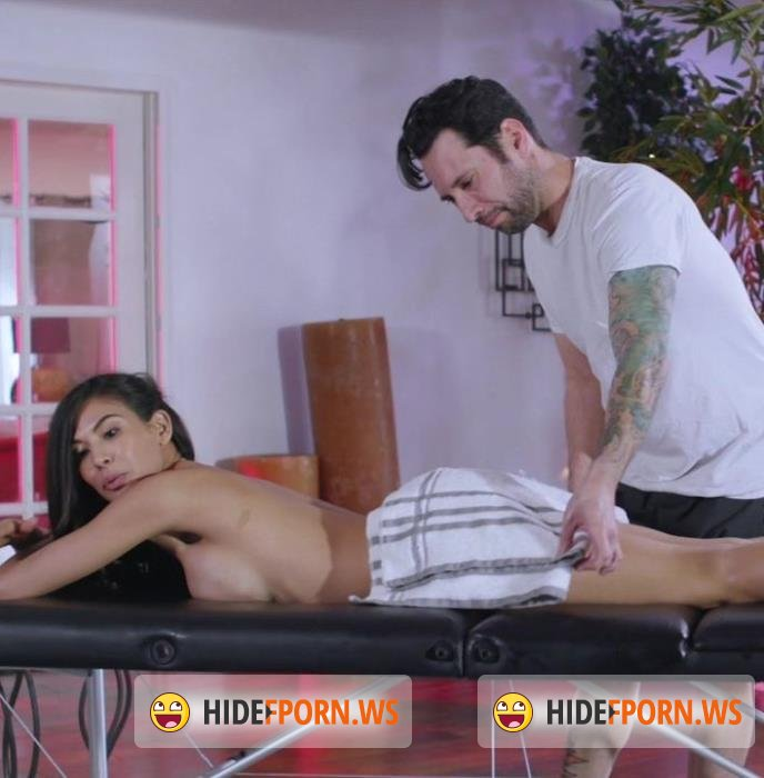 KinkySpa - Heather Vahn - Busty Heather Vahn gets fucked during her massage by her employee at the Kinky Spa [SD 400p]