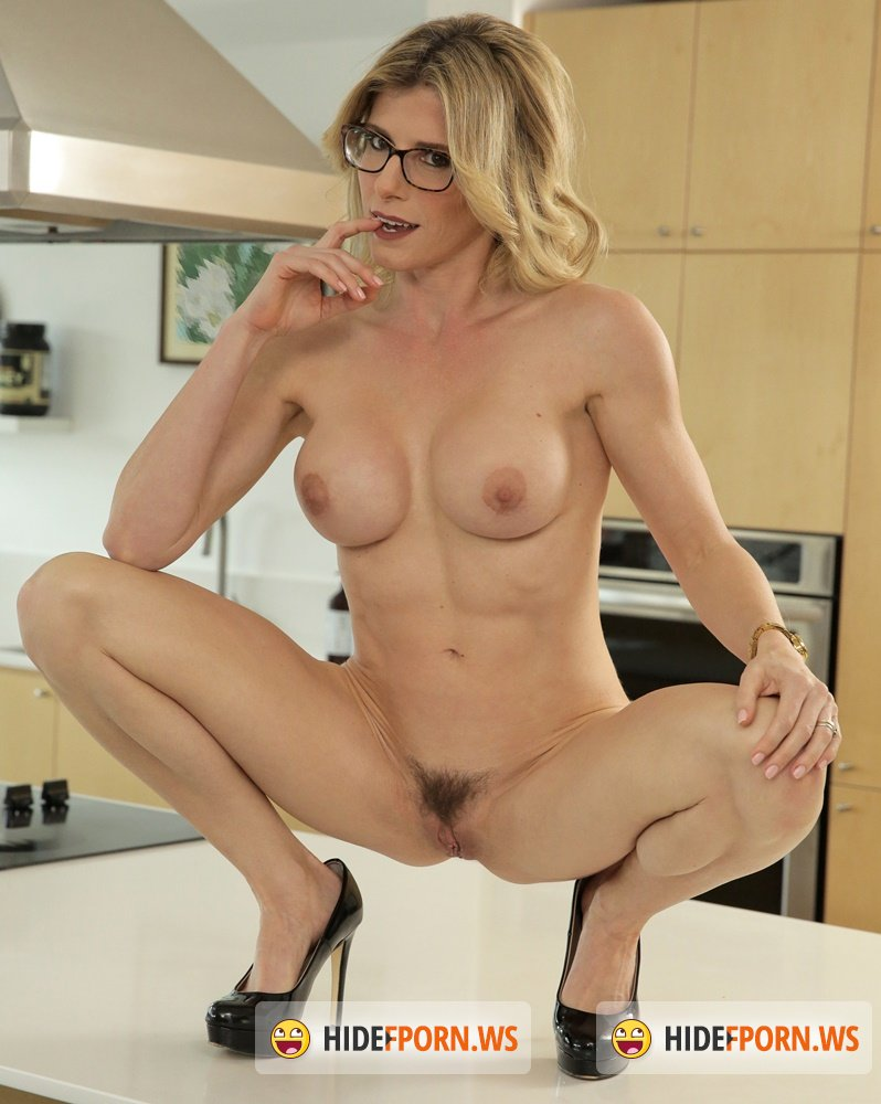 MomsTeachSex - Cory Chase - I Fucked My Step Mom On Mothers Day [HD 720p]