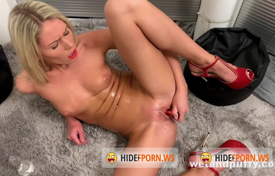 WetAndPuffy - Claudia Macc - Masturbating At Home [2020/FullHD]
