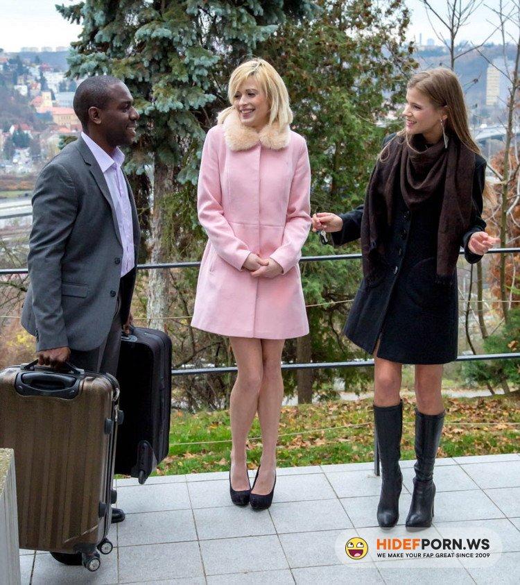 Private.com - Ria Sunn, Sarah Kay - Ria Sunn and Sarah Kay in an interracial anal threesome [FullHD 1080p]