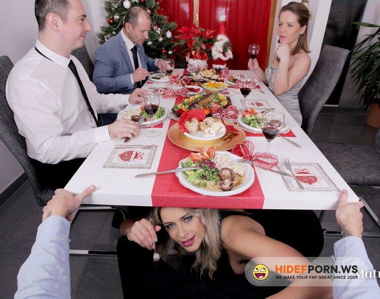 MatureReality.com - Vittoria Dolce - The christmas dinner [UltraHD/2K 1920p]
