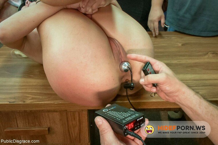 PublicDisgrace.com/Kink.com - Cherie Deville - Hot Blonde Fucked And Disgraced In A Typewriter Shop [SD 540p]