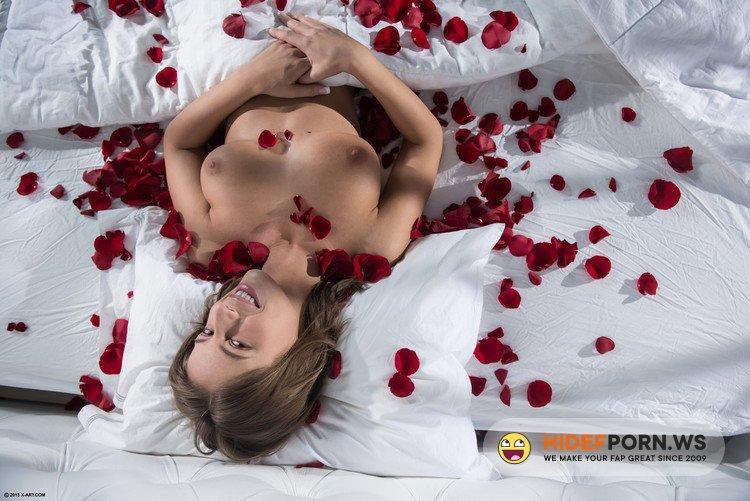 X-Art.com - Presley Hart - Rose Petals [FullHD 1080p]