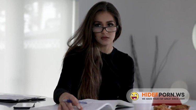 FamilyStrokes.com/TeamSkeet.com - Sofie Reyez - Stepsister Easing An Erection [FullHD 1080p]