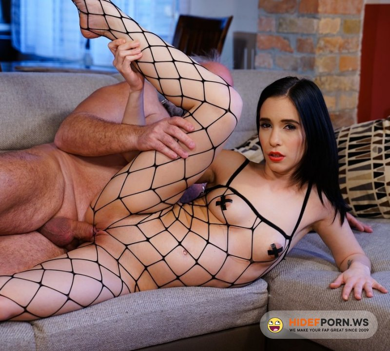 GrandpasFuckTeens - Nikki Fox - The Young Domme From Next Door [FullHD 1080p]