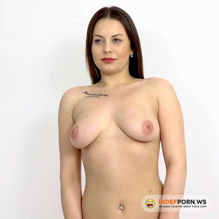 CzechSexCasting/PornCZ - Mia Rose, THOMAS - Hot photoshoot with a happy ending [2K UHD 1920p]
