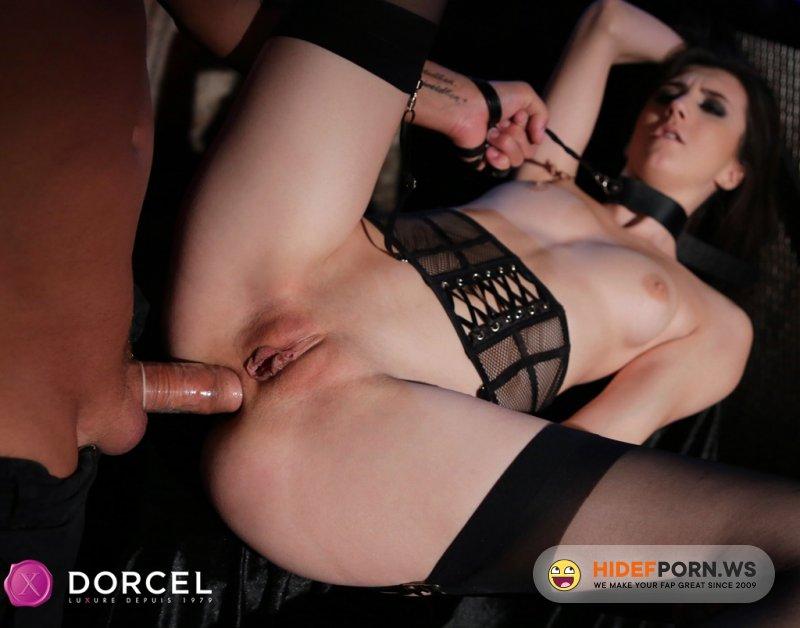 DorcelClub - Lina Luxa - Dungeon getaway [SD 540p]